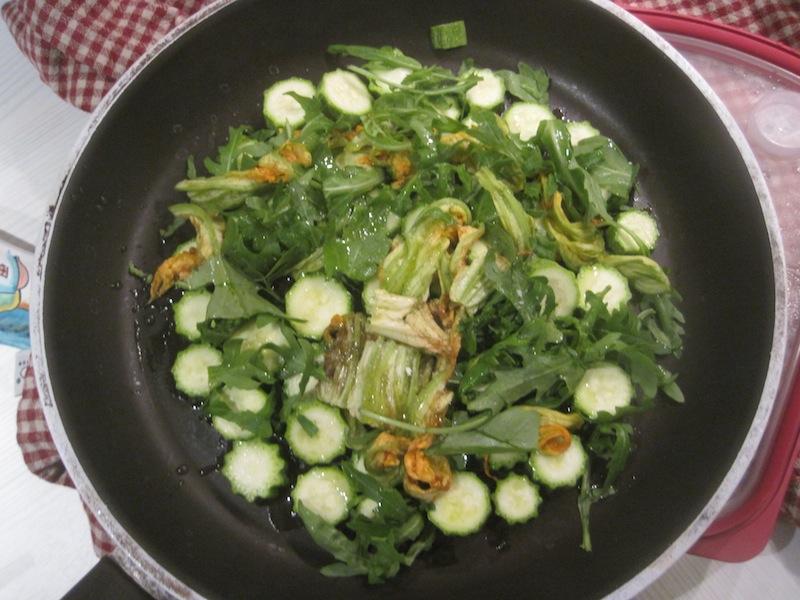 Frittata zucchine fiori di zucca e rucola
