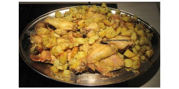 Pollo al forno con patate scrocchiarelle