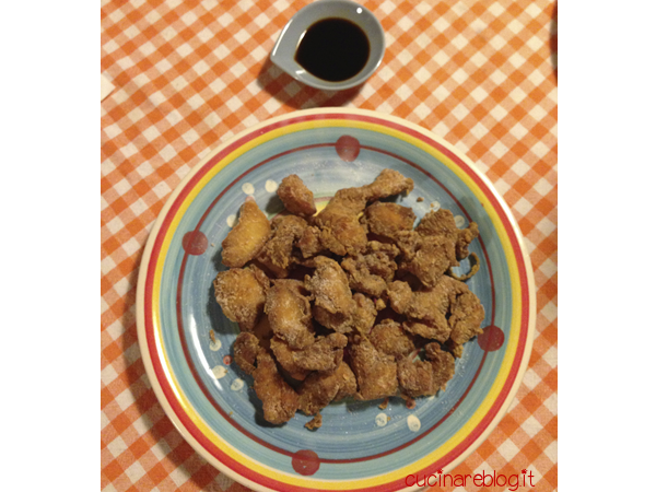 Pollo fritto giapponese tori no karaage