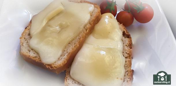 Crostini con Puzzone di Moena